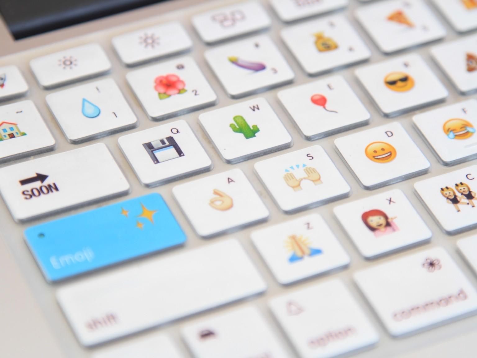 Как на клавиатуре самсунг сделать смайлики