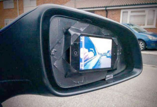 because-replacing-the-side-mirror-is-too-complicated-iphone-in-front-camera-mode-as-cars-side-mirror-1436491027
