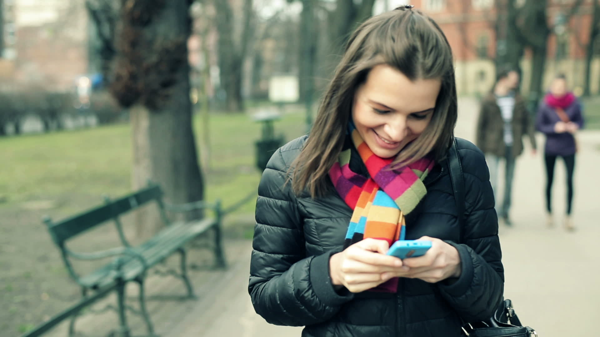 знакомства с девушка мобильным телефонами