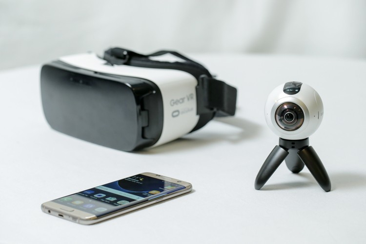 samsung-gear-360-degree-camera-3
