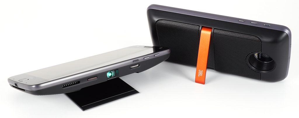moto_z_droid-moto_mod-2_projector_speaker