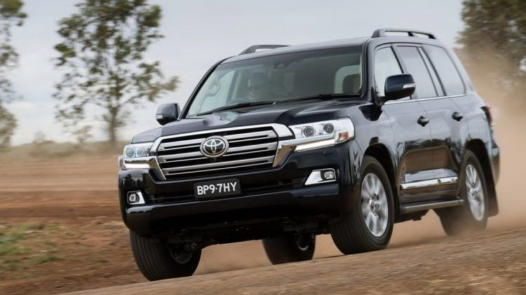 toyota-land-cruiser-200-2016-01-750x481