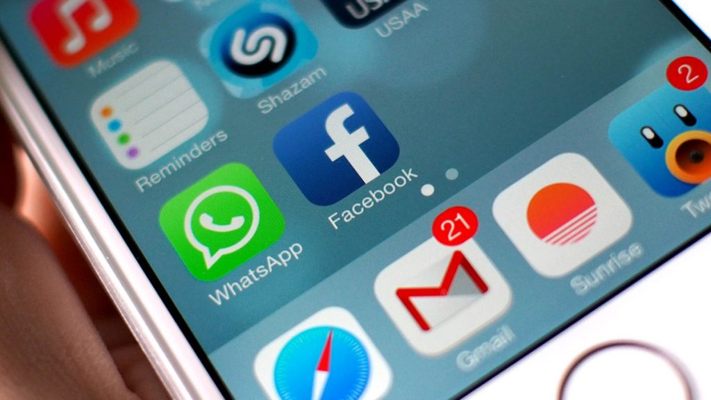 facebook_whatsapp_icons