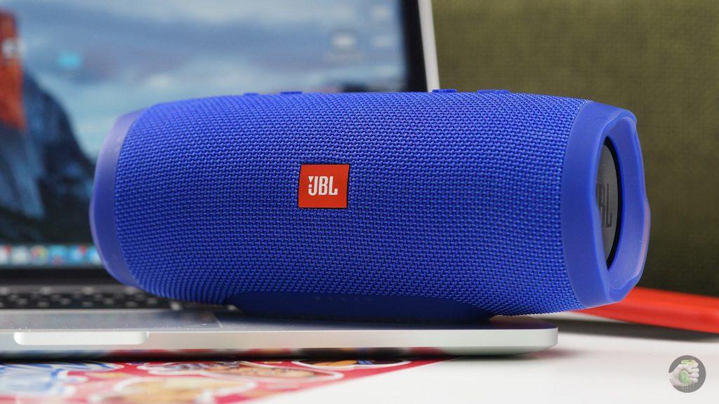 Что я думаю о колонке JBL Charge 3: маленькая аудиобомба