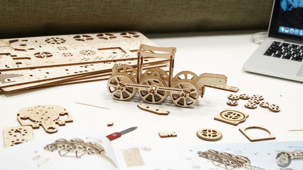 ugears-train-wylsacom-2