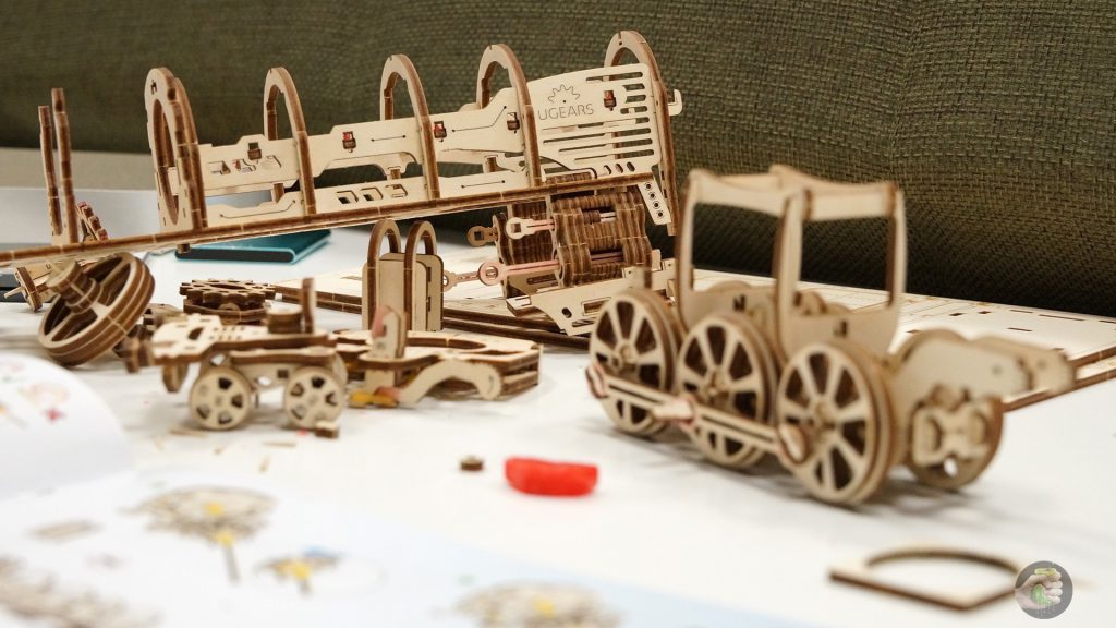 ugears-train-wylsacom-4