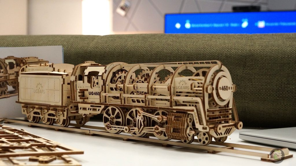 ugears-train-wylsacom-9
