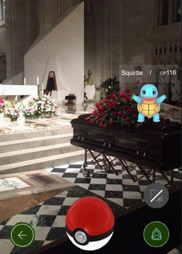 3618d76300000578-3681995-squirtle_was_found_on_this_coffin_by_one_pokemon_user_it_is_not_-a-21_1468059303107
