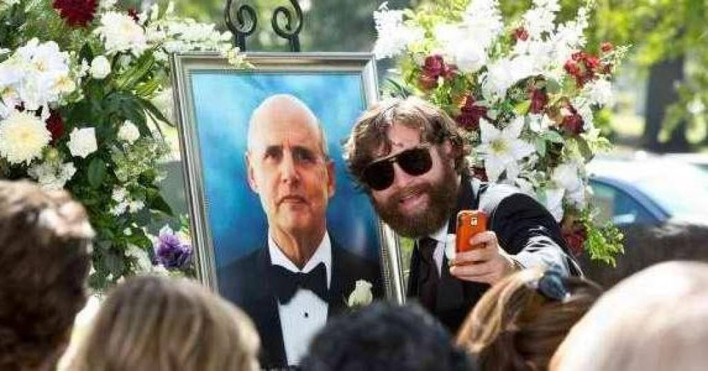 51-best-and-worst-selfies-at-funerals-u1