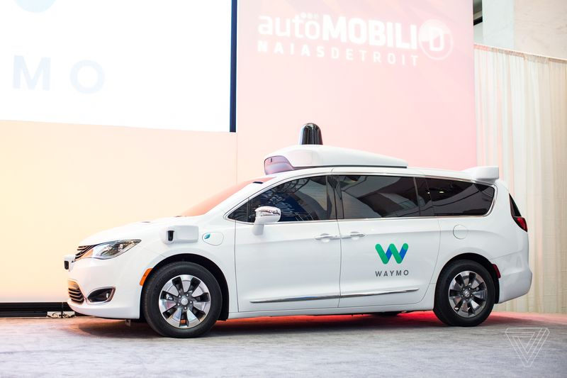 waymo_chrysler_pacifica_detroit_auto_show_2017_0208