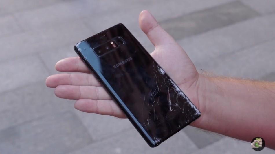 айфон 8 разбил экран samsung ноут 8 разбитый экран