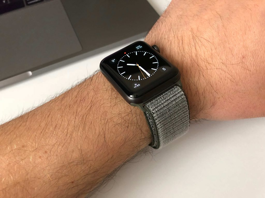 Купить оригинальные ремешки на apple watch nike продаю телефон samsung galaxy star plus