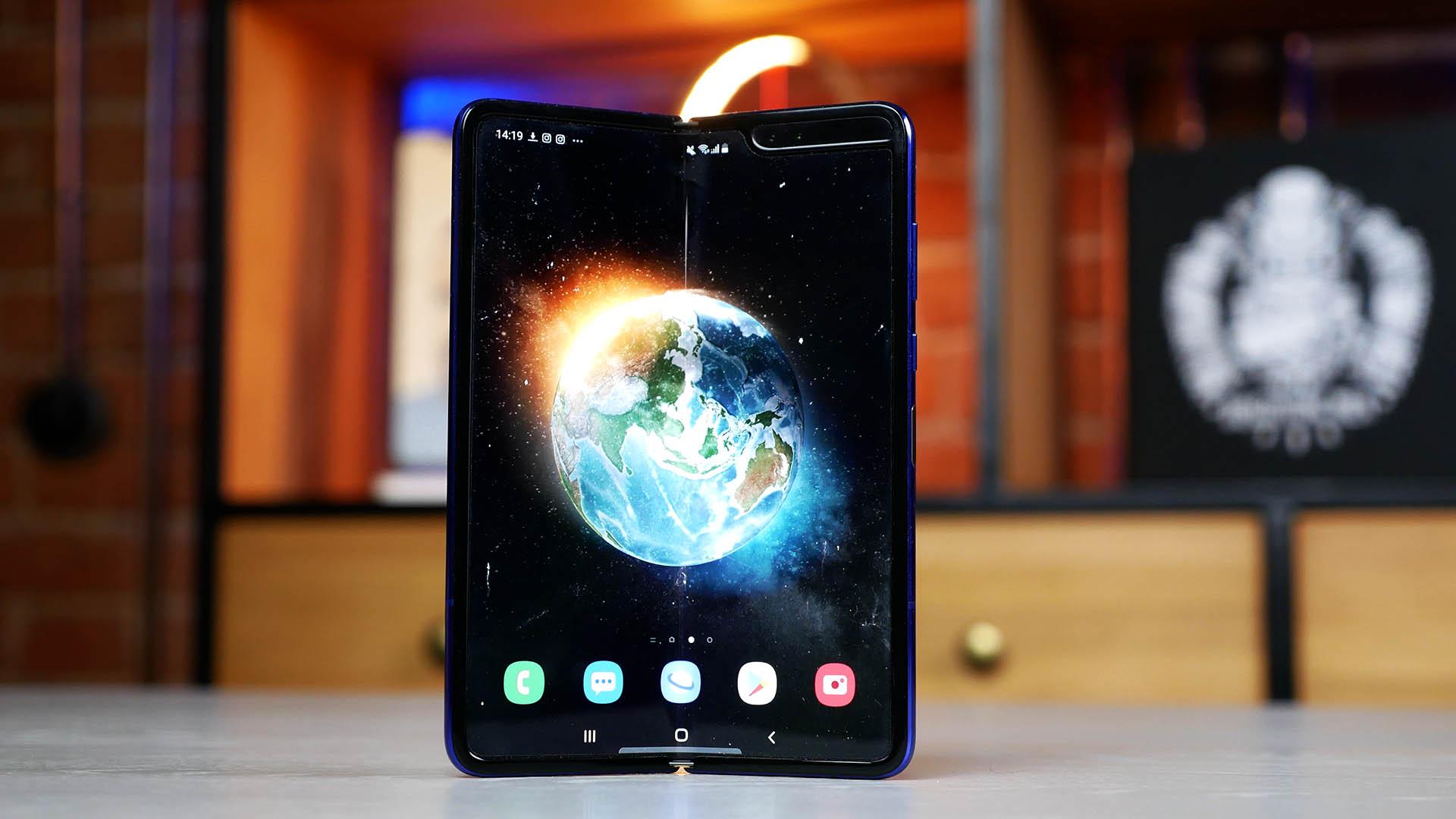 Посмотрите, как будет выглядеть Samsung Galaxy Fold 2 - Wylsa.com