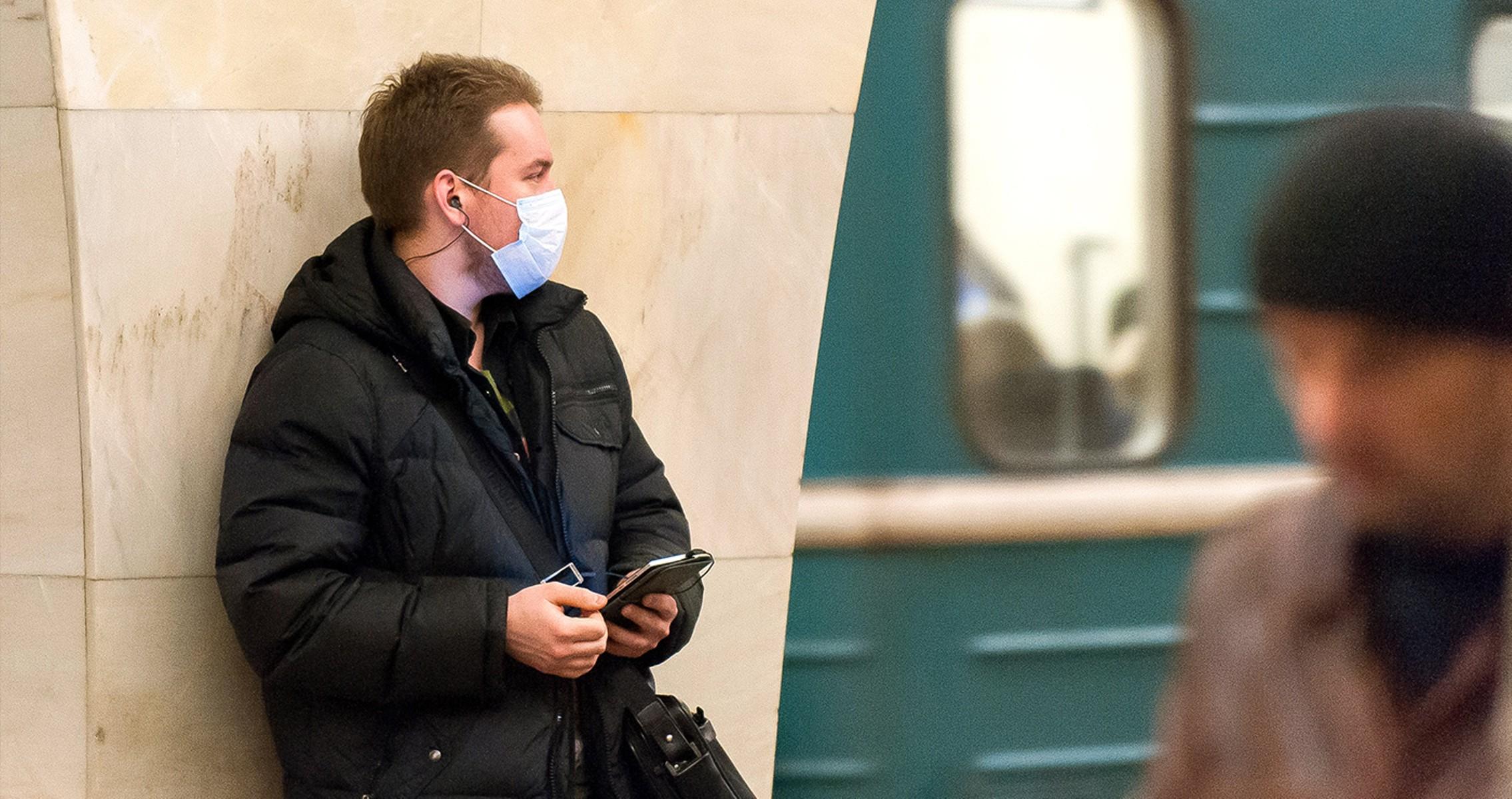 В Москве начинается обязательная вакцинация сотрудников торговли исферы услуг
