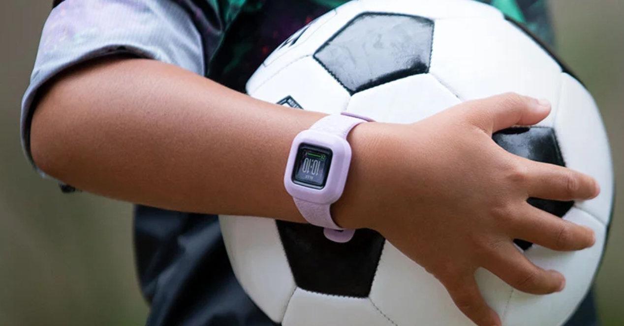 Garmin представила детские смарт-часы Vivofit Jr.3