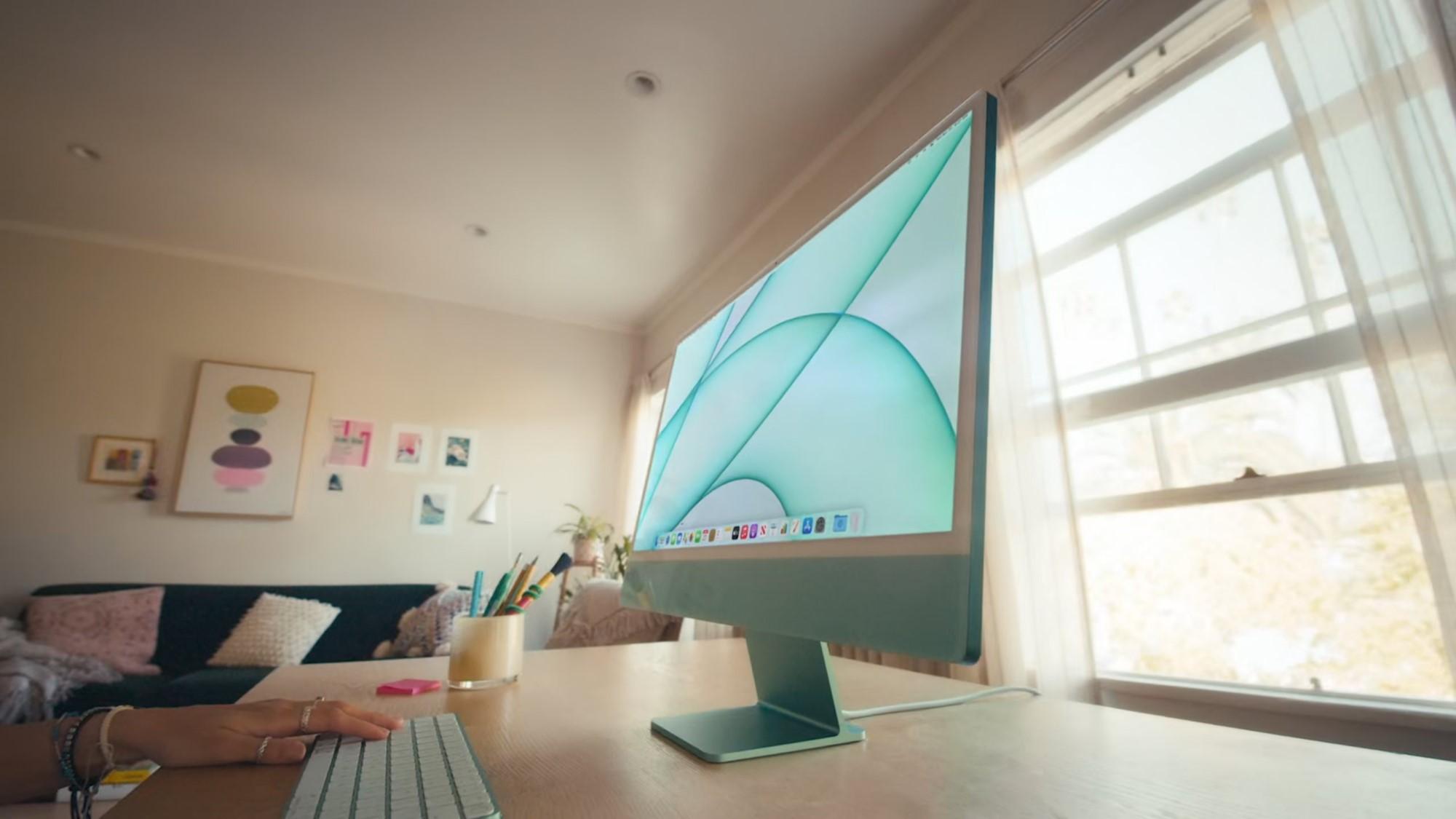 Apple анонсировала цветные iMac вновом дизайне