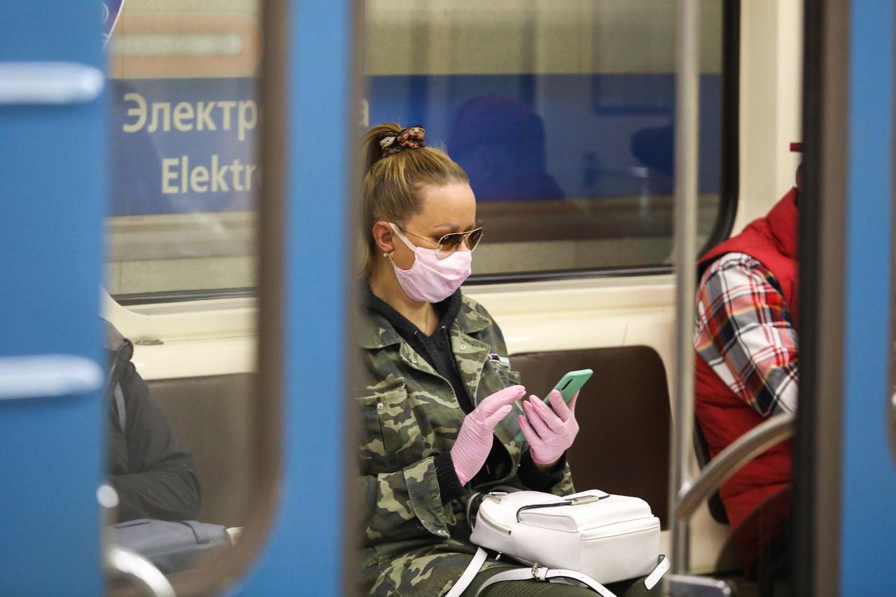В Москве отменили обязательное ношение перчаток